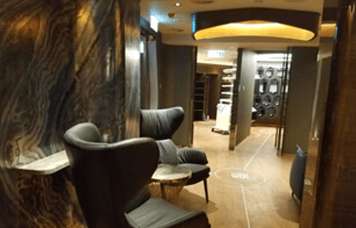 High-end Cigar Bar in Hong Kong